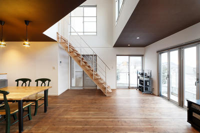 高台に建つ家 F様邸【雑誌掲載】の画像